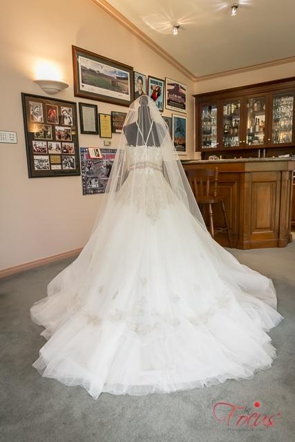demetriois comsobella wedding dress   pre-loved wedding dresses australia