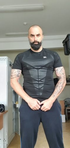 Gym and Fitness Compression T-shirt for Men photo review