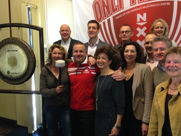 Partners Only Friends en Johan Cruyff Foundation luiden gezamenlijk de gong.