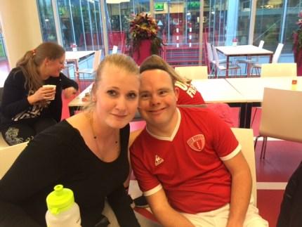 Lotte en Mark; beiden al 10 jaar lid van de afdeling HANDBAL