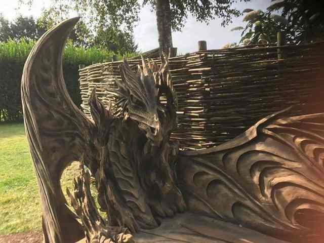 wood chainsaw carve dragon bench igor loskutow 10 59a69ca1d0f54 880