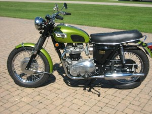 Triumph Trophy 650: pics, specs and list of seriess by