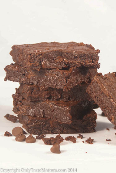 Naughty But So Nice #Brownies. #Chocolate goodness. For the full #recipe, visit OnlyTasteMatters.com. #dessert #glutenfree