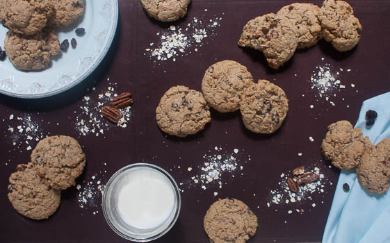 Oatmeal Raisin #Cookies with Pecans. Are they really that bad for you if they are #oatmeal? #GfreeBaking #nomnomnom #ontheblog