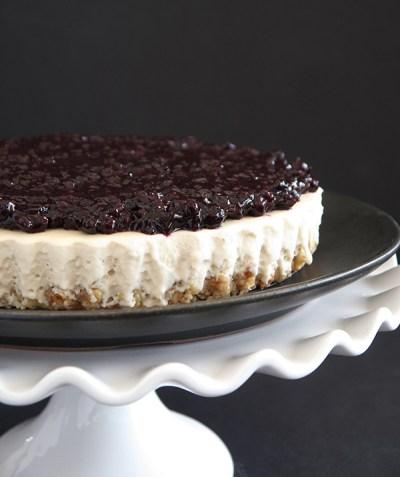 vegan-gluten-free-blueberry-cheesecake