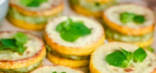 Жареные цукини с соусом авокадо