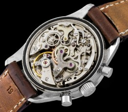 universal-geneve-the-brown-compax-nina-rindt-6