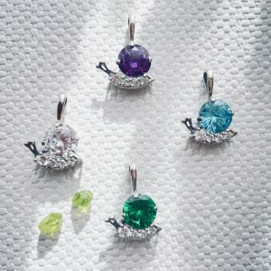Jolly Snails by Onlyway Jewelry