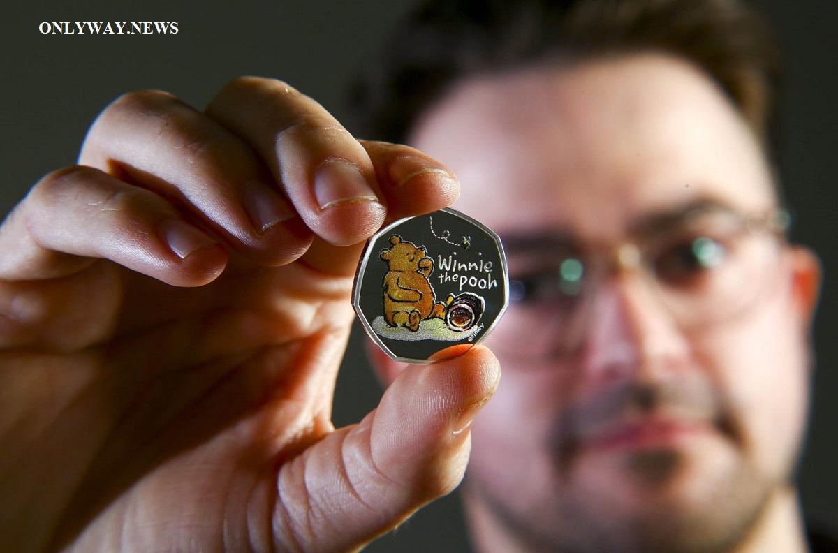 Королевский монетный двор выпустил монеты, посвященные героям сказки «Медвежонок Винни и его друзья».