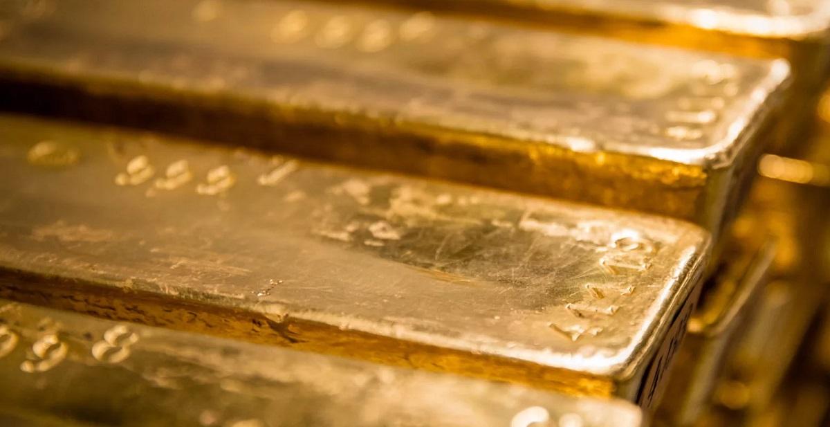 Банки активно скупают золото на фоне его роста -$1833 за тройскую унцию