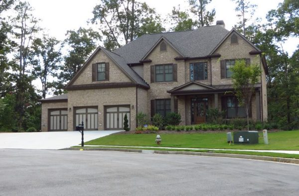 Alpharetta Home In Old Station Subdivision