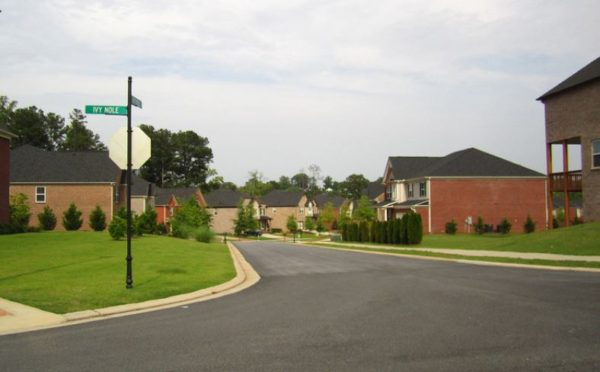 cumming-neighborhood-silver-leaf-homes
