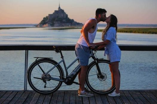 Arrivée à vélo au Mont-Saint-Michel sur la véloscénie