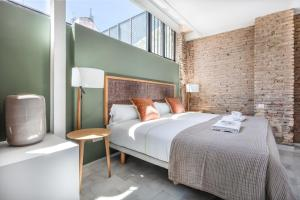 slow suites seville