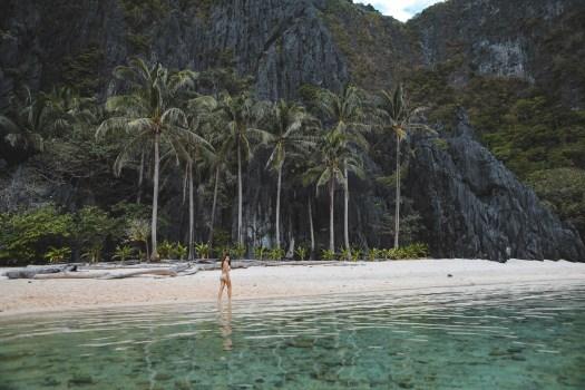 La plage à côté de Secret Lagoon dans l'archipel de Bacuit, El Nido
