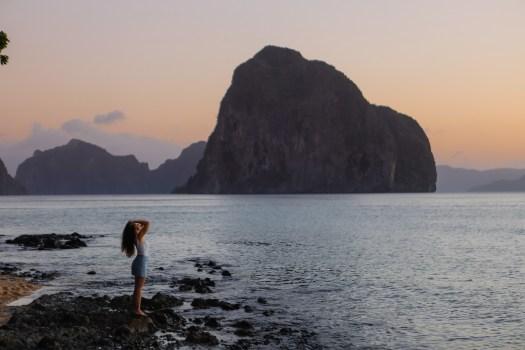 Las Cabanas beach pendant le coucher de soleil, el nido Palawan blog