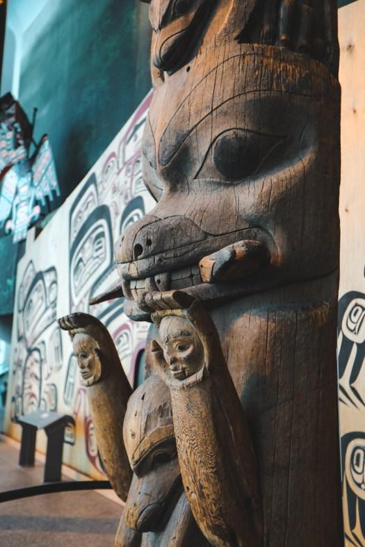 Totem au musée canadien de l'histoire au Québec