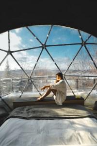 À l'intérieur d'un dôme au Québec en hiver