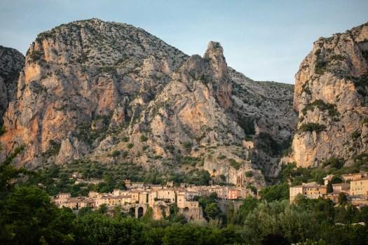 Moustiers Sainte Marie photo Alpes de Haute Provence