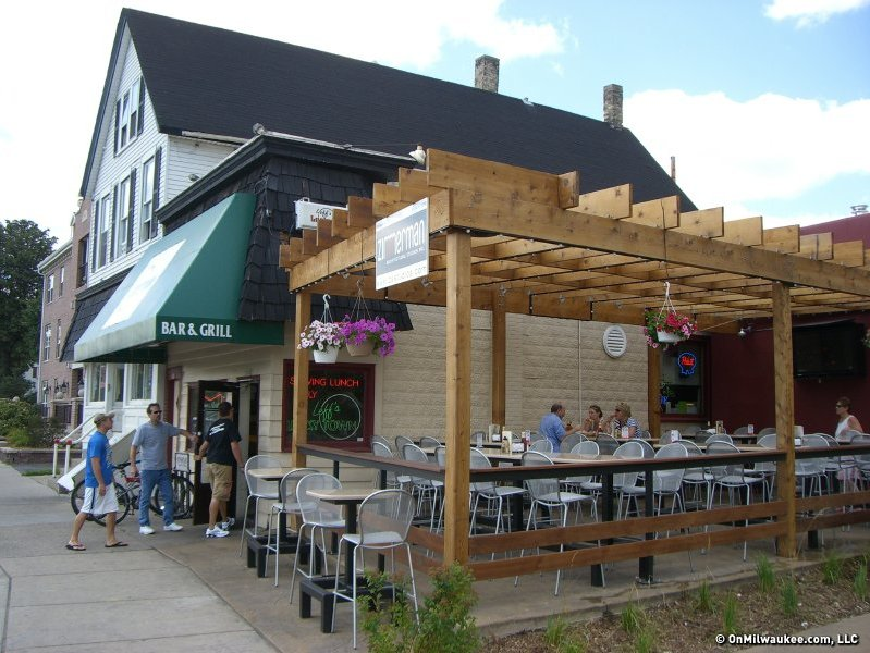 Milwaukee's Best Bar In Wauwatosa, 2010: Leff's Lucky Town