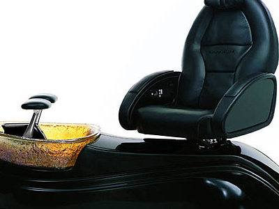 OnMilwaukeecom Marketplace Pedicure spa chair gets start