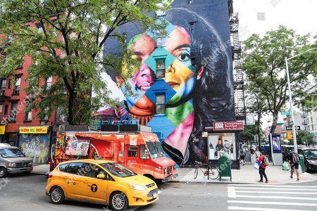 michael-jackson-mural-unveiled-new-york-usa-shutterstock-editorial-9776753a