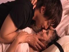 鈴木一徹と友田彩也香がイチャつきセックスのおんなのこのための無料動画
