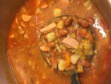 lepel bruine bonen soep