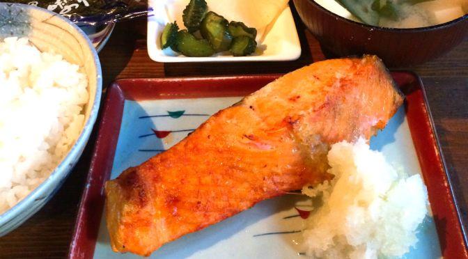神保町「カサ・ビノ」誰も知らないスナックの美味しい昼の定食