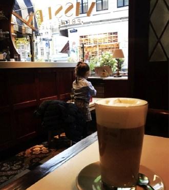 herfstkoffie-latte-speculaas-vissers-poffertjes-indebuurt-dordrecht