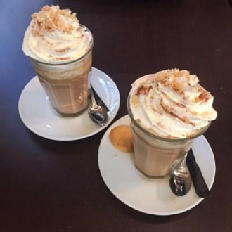 herfstkoffie-pumpkin-spiced-latte-in-de-vergulde-lampet-indebuurt-dordrecht
