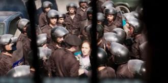 © Scène du film Clash de Mohamed Diab. CRÉDITS : PYRAMIDE DISTRIBUTION