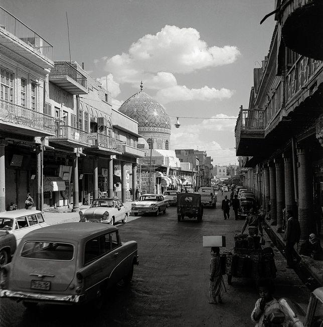 La mosquée Al-Haydar-Khana, Rue al-Rashid, Bagdad, 1961