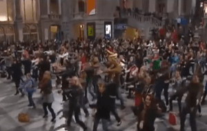 Click here for a little fun, and a flashmob rendition of Julie Andrew's singing Do A Deer at the Antwerp Train Station