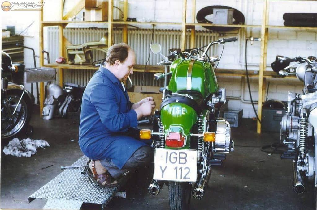 Friedl Münch a cég teljes története során maga is dolgozott a gyárban