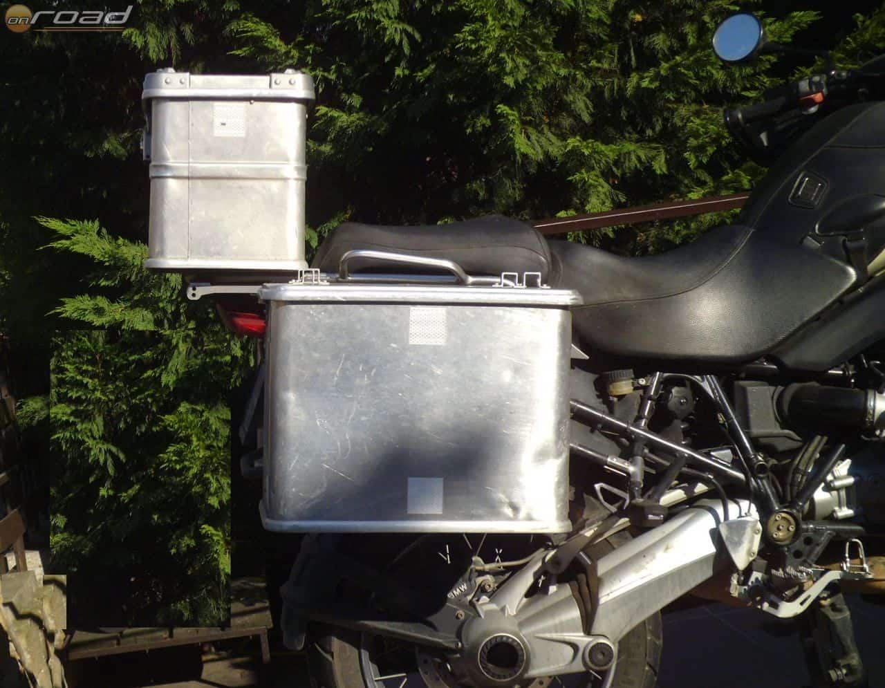 Így mutattak a régi Metalcontruct-féle dobozok a BMW R1200GS Adventure-ön