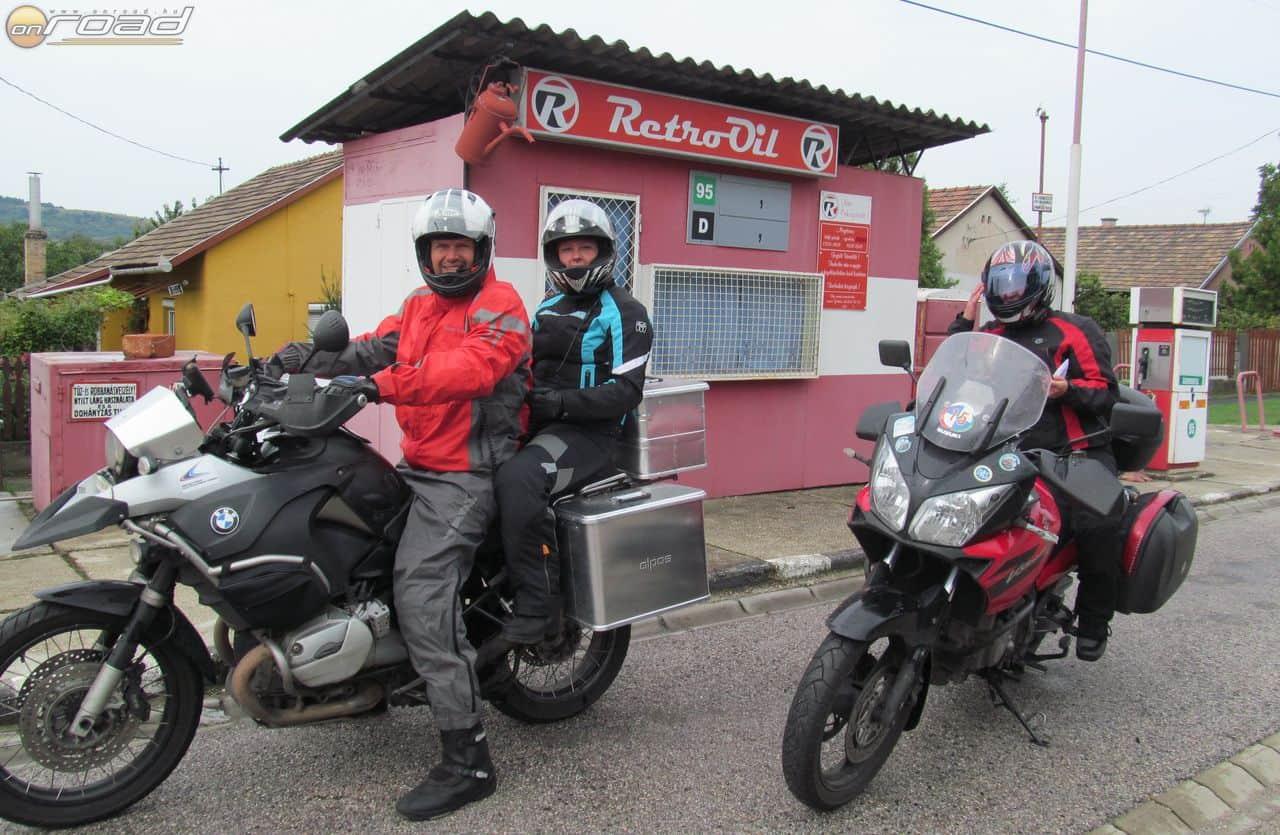 A Sárisápon található Retro benzinkúton tavalyelőtt még eredeti ÁFOR cégér díszelgett