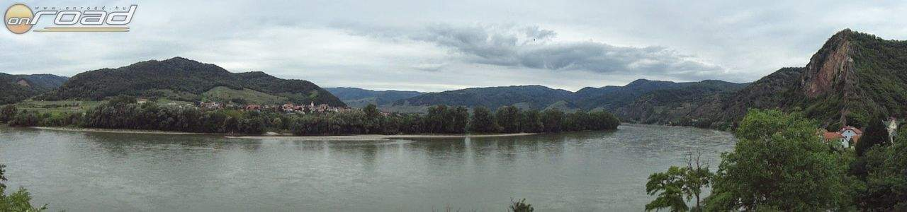A Duna Dürnstein mellett