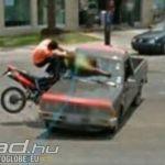 motoros-baleset-google-street-view-onroad-nyit