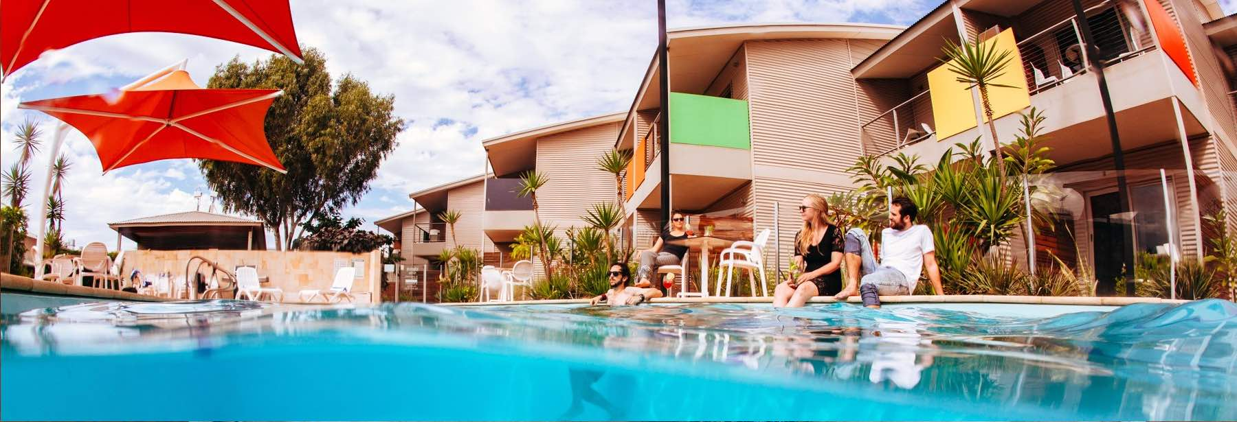 hotel with pool in onslow WA