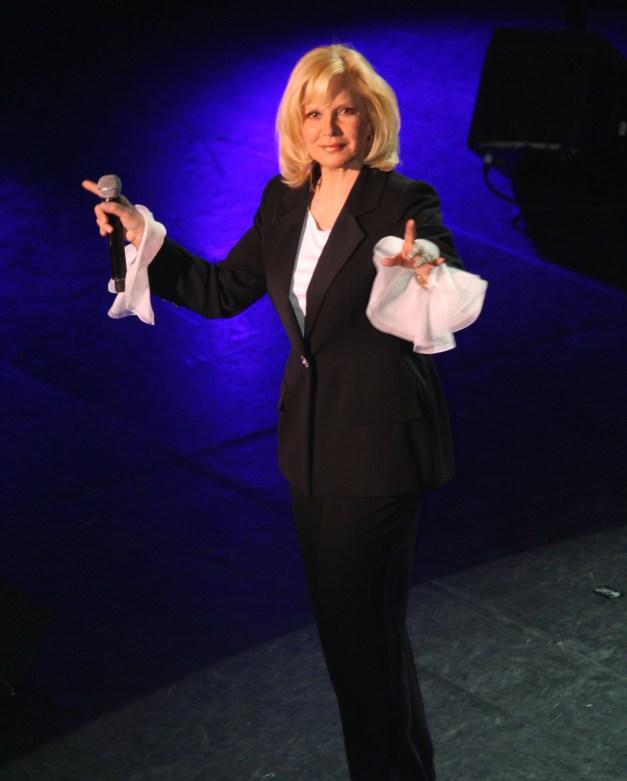 Sylvie Vartan sur scène 2010 photo : Guy Courthéoux
