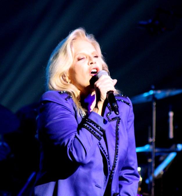 2014-02-15 Sylvie Folies 156