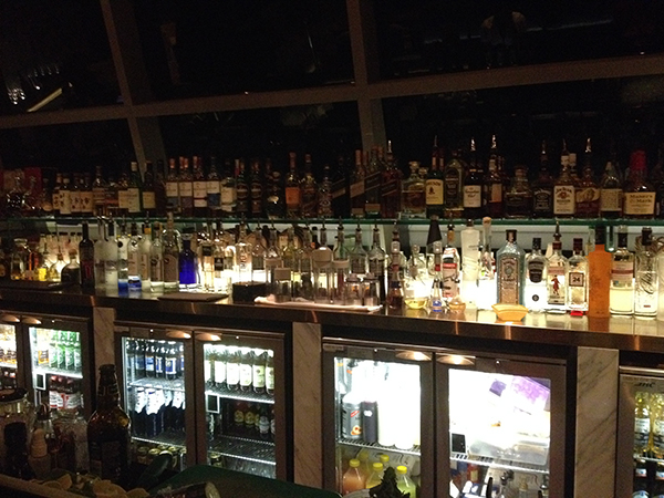 une partie du bar de l(hôtel