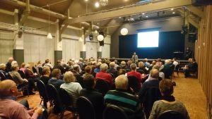 Verenigingen en stichtingen praten met raadsleden over toekomst subsidies