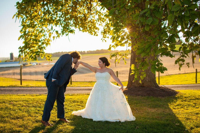 Mary + Patrick Wedding On Sunny Slope Farm Wedding Venue by Feather & Oak Photography (27 of 31)
