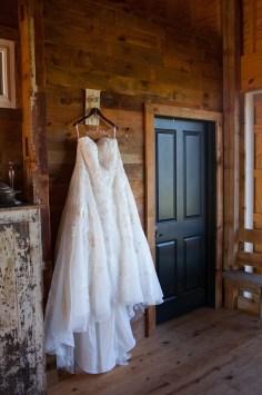 Mary + Patrick Wedding On Sunny Slope Farm Wedding Venue by Feather & Oak Photography (8 of 31)