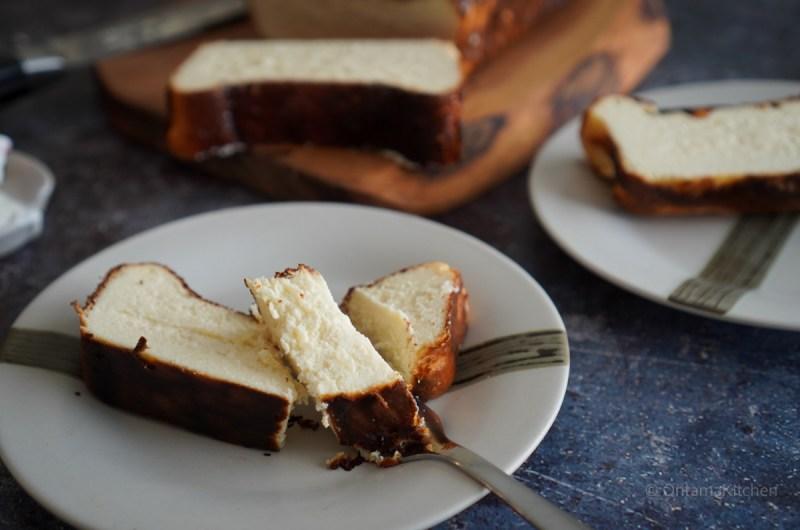 バスクチーズケーキ (Basque burnt cheesecake)