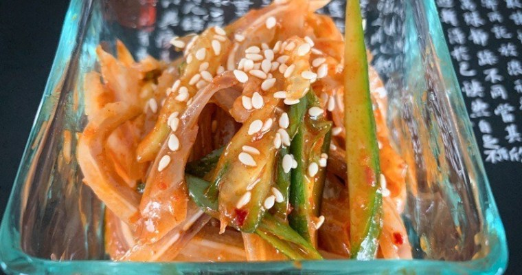 韓国風豚耳のあえ物 (Korean Style Pork Ears Salad)