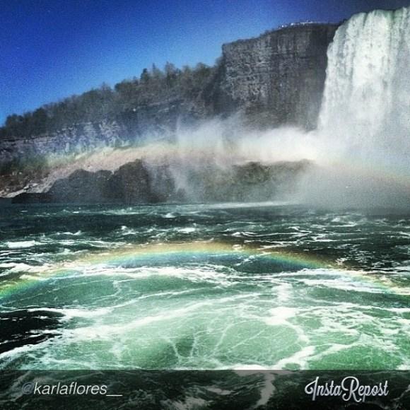 @karlaflores__ Explore Canada