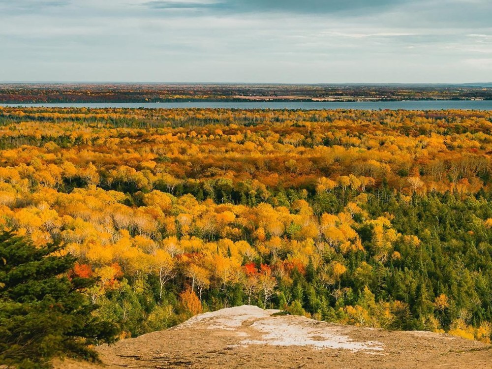 East Lookout on Cup and Saucer Trail, Manitoulin Island